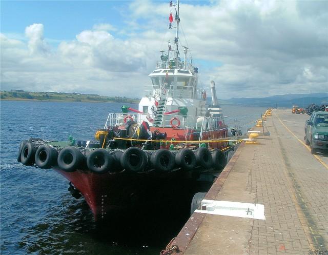 Tug 'Kindeace' arrives at Invergordon