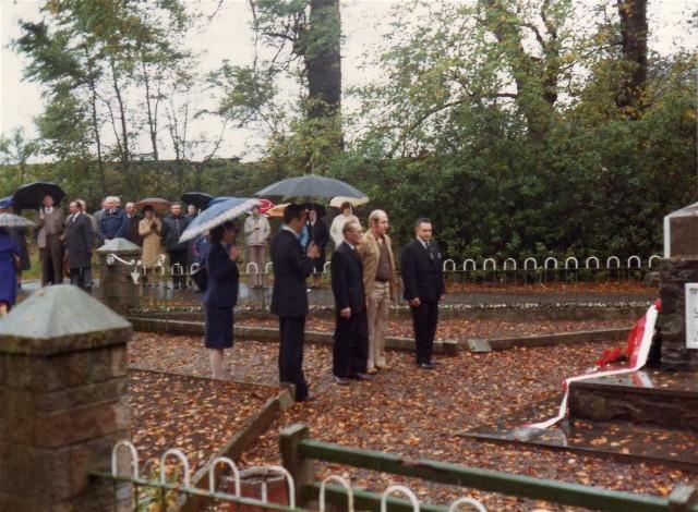 Wreath laying at Polish War Memorial November 1978