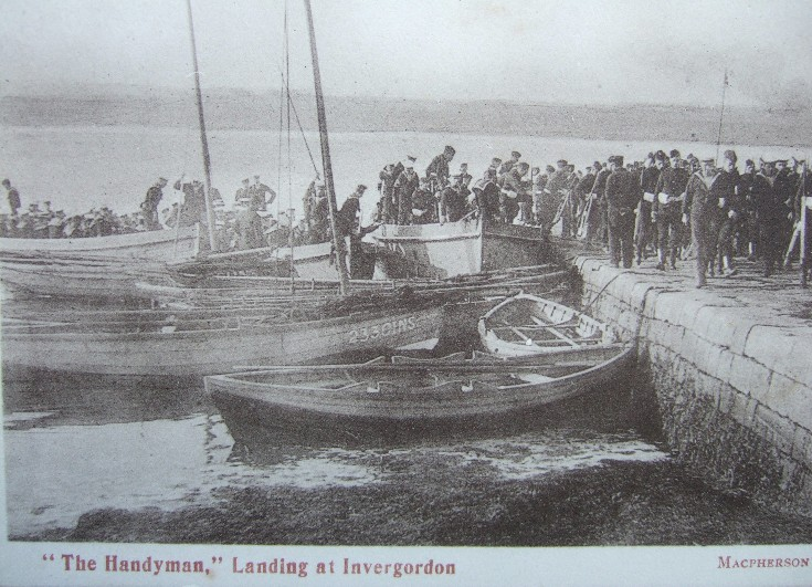 'The Handyman' landing at Invergordon