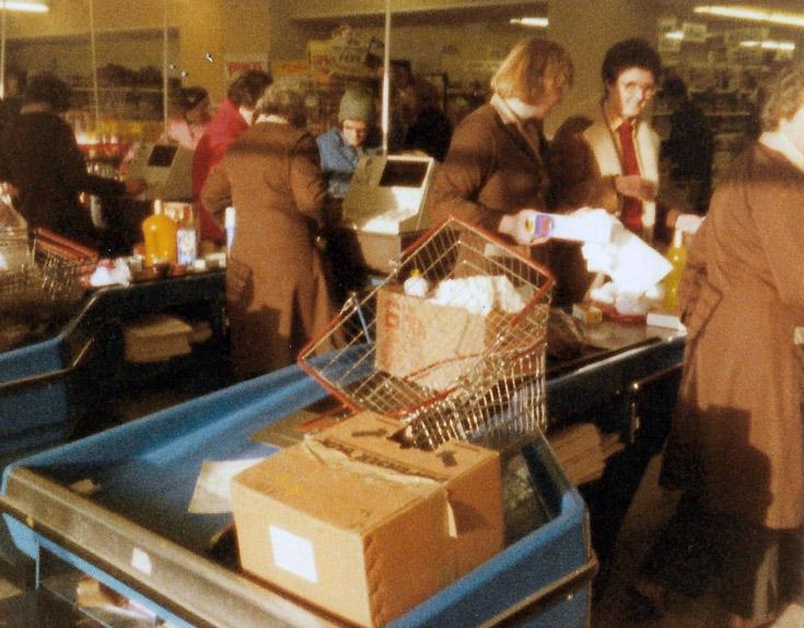 MacGregors supermarket