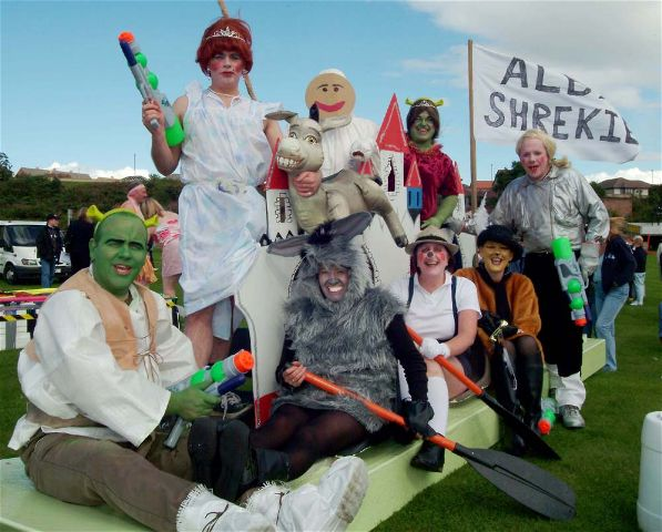 Raft SHRECK - Invergordon Raft Race 2004