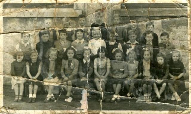 Primary School Class - 1950/1