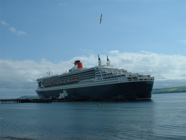The Queen Mary 2 at the Admiralty Pier