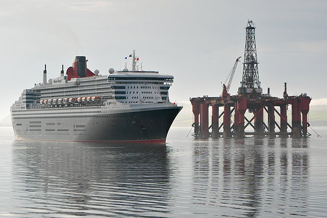 Queen Mary 2 approaching Invergordon