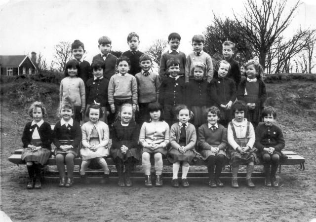 Primary 1a (Invergordon Academy) 1964/65